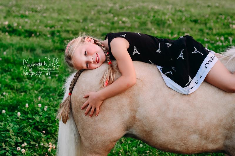 meisje op pony