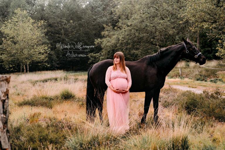 zwangerschapsshoot met paard